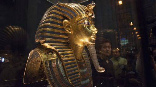 Eight Museum Workers Sent to Trial After King Tut Mask Scratched – Secrets in the News: January 23 – 29, 2016