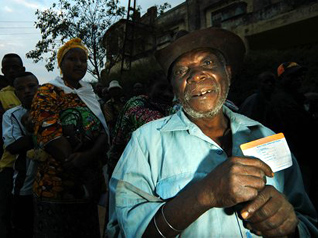 presidential contenders 2008 essay A record 23 presidential candidates were cleared on thursday to run in zimbabwe's elections due on july 30, including incumbent emmerson mnangagwa and young opposition leader , the country's .