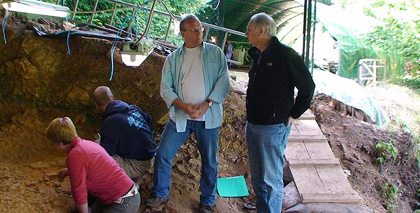 Randall White with Alan Alda in the Abri Castanet rock shelter excavation. Credit: Maggie Villiger